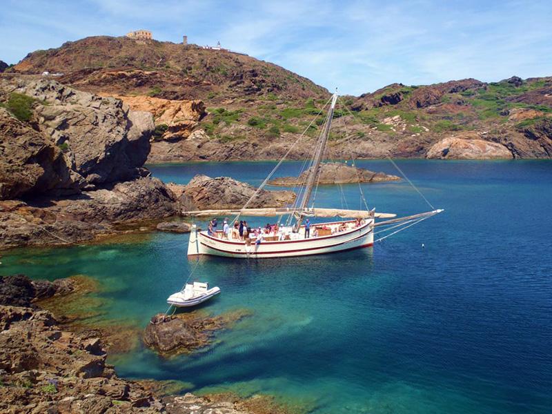 costa-brava-paseo-barco-tradicional
