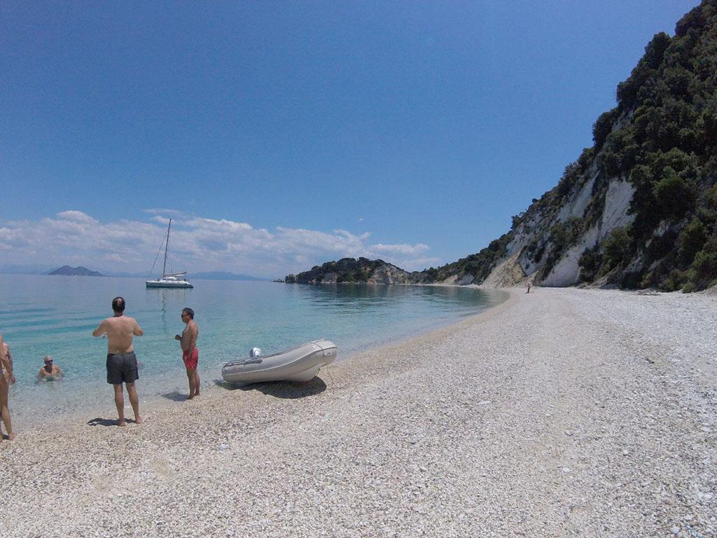 beach-vacation-greek-island