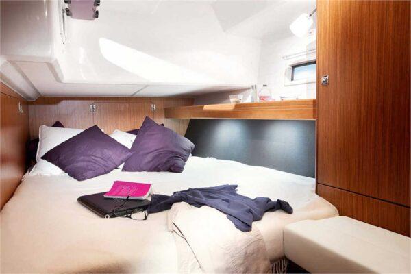 bavaria-46-front-cabin