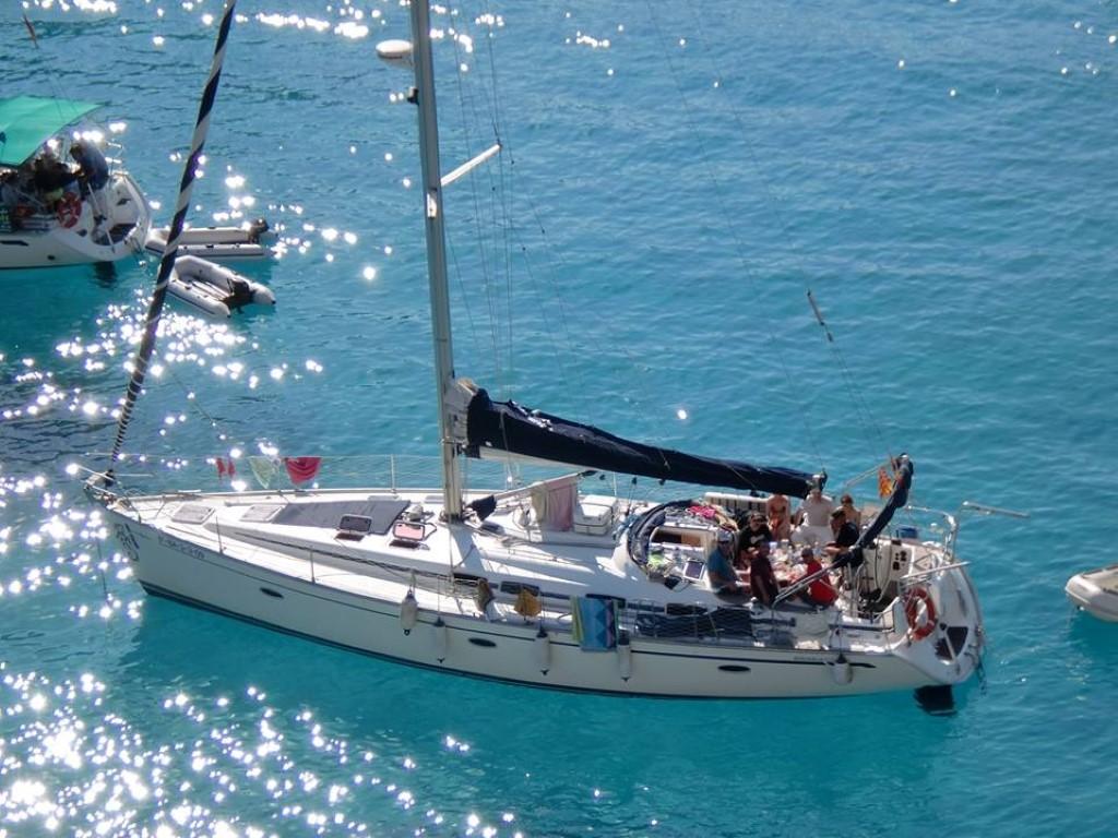 Vacaciones en velero en Menorca plaza a plaza